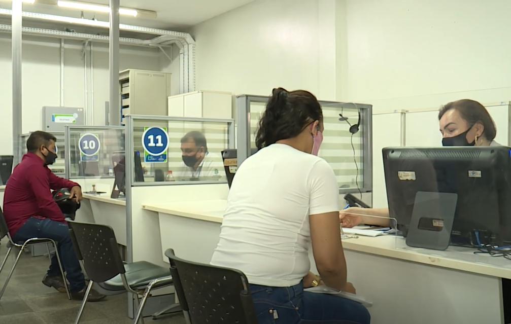 Empresas estão contratando pessoas que estejam devidamente vacinadas contra a Covid-19